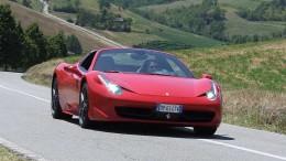 Spyder Ferrari oggi, regina dei saloni e del mercato, nata per la strada.