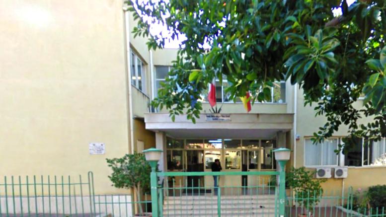 Il Liceo artistico G. Ugdulena, teatro non nuovo di eventi culturali, dispone di un edificio moderno.