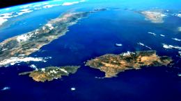 Corsica, Sicilia, Sardegna: la politica di Gaetano Armao a livello UE (dove guida l'organo preposto) ha una decisa vocazione mediterranea e coinvolge tutte le altre realtà insulari.