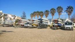 Laser sui carrelli provenienti da tutt'Italia  sui piazzali del Porto turistico Marina di Ragusa.