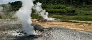 L'energia geotermica fu sfruttata per la prima volta al mondo in Italia (Larderello, soffioni boraciferi) al tempo delle sanzioni prima della seconda guerra mondiale.
