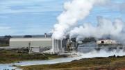 """La più grande centrale elettrica geotermica del mondo costruita in Nevada dall'Enel: emette vapore, ma non aggiunge combustioni a quella naturale dovuta al vulcanesimo (che è enorme rispetto alle emissioni industriali). Perché non c'è un sol progetto per l'Etna? Il problema energia non si vuol risolvere per favorire l'uso perdurante del petrolio e del gas. L'uso del carbone è uno spauracchio. C'è da chiedersi dove siano più in Italia tali centrali. Tali problemi """"rendono solo finché esistono""""."""