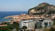 In posizione panoramica l'ospedale della Fondazione Giglio a Cefalù