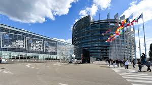 Una delle tre sedi del Parlamento europeo: non hanno badato a spese...