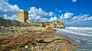 Torre Roccella simbolo a mare di un paese panoramico a mezza costa...