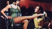 Cyd Charisse, ballerina ed attrice di grande bellezza, appare brevemente nel film. Fu fra le ballerine di Fred Astaire e Gene Kelly (nella foto): gambe fra le più belle della storia del cinema..