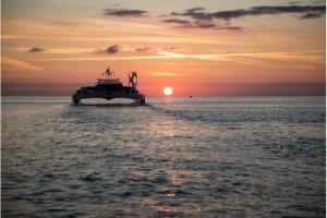 Un ufo ai margini della Laguna di Venezia: nave (catamarano) ad idrogeno.