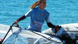 Laura Linares, la bella surfista marsalese ora in forza al Circolo Roggero di Lauria
