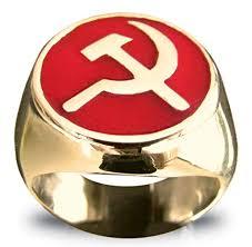Lo portavano pure al dito:(anello comunista).