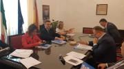 """Mazara del Vallo, VIII Blue sea land, un momento della conferenza con Edy Bandiera. L'assessore alla pesca è di casa a Mazara e, in particolare, in occasione della manifestazione che focalizza i temi e i problemi del """"Mediterraneo allargato""""."""