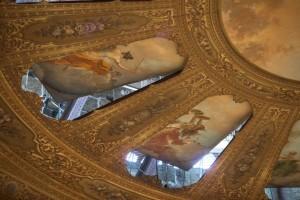 La ruota è costituita da undici elementi trapezoidali di pitture su tela, disposte a ruota intorno a un tondo centrale dove è raffigurato il Trionfo della Musica, ideato da Rocco Lentini, ma opera di Luigi Di Giovanni che l'ha realizzato con colori tenui e ariosi. (Ph. Rosellina Garbo)