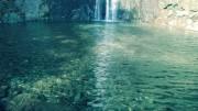 """Acque superficiali in Italia. La Penisola e la Sicilia sono ricchissime di acque dolci e acque minerali. La """"frizzante Sanpellegrino"""" domina sul mercato americano. In mare, il pesce pelagico - tunnidi, sgombri, sarde, acciughe - è sempre abbondantissimo. Tanto che è oggetto di pesca da parte di barche dal resto del mondo. Per non parlare del pesce oceanico, che - però - è meno saporito di quello mediterraneo."""