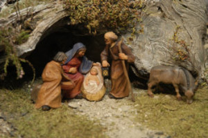 """Questo è il """"Presepe"""": un esmpio di""""edizione povera"""", ma significativa, perché Gesù non nacque nello sfarzo.Insomma: il presepe fatelo come potete,ma fatelo!"""