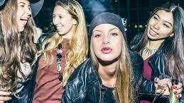 Spinelli esibiti in discoteca: uno 'vale' quanto un intero pacchetto disigarette. La droga leggera è considerata un vizio più grave dell'alcol.