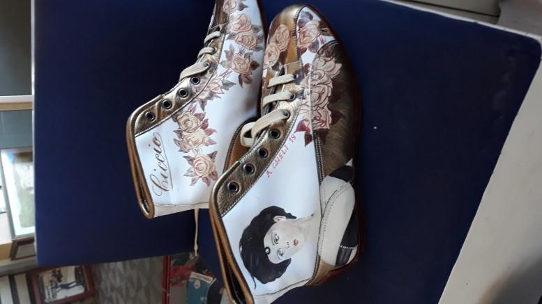 Le scarpe vintage confezionate da Ciccio per i suoi committenti stranieri e in omaggio a ...Donna Franca.