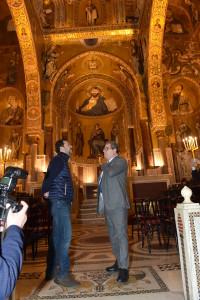 Davanti ai mosaici della palatina e al Cristo Pantocratore Salvini ha pianto.