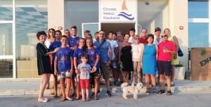 Foto ricordo - dirigenti ed equipaggi - nella sede del Circolo Velico Kaucana