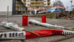 """Scompiglio ad Hanau: è stato un attentato """"al contrario"""". Cioè contro i musulmani. Uccide anche la propria madre prima di morire anche lui. Lo stato di schizofrenia è evidente, ma ha già scritto, con lucida follia, forse, un ...testamento."""