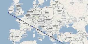 La cosidetta Linea sacra congiunge l'Europa con l'Oriente. Si noti come attraversi l'Italia.