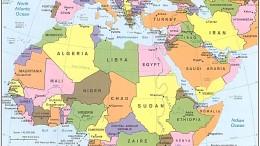 """Una carta politica del """"Mediterraneo allargato. Il piccolo Mare Nostrum (1% elle superfici acquee)  assorbe già il 40% dei traffici mondiali. Ma crescerà ancora a discapito degli oceani. Il raddoppio del Canale di Suez non è la causa della crescita, ma un suo sintomo, una conseguenza."""