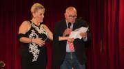 Felicia Bongiovanni con il nostro direttore Germano Scargiali sul palcoscenico del Teatro Orione in occasione di un recital di beneficenza organizzato dal Movimento per la vita.