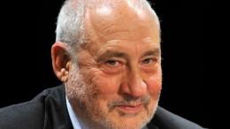"Joseph Stiglitz, Nobel Prize winner American economist and a professor at Columbia University Joseph E. Stiglitz during his presentation entitled ""Can Illiberal Democracies Create Shared and Sustained Prosperity?"" at the Danube Palace in Budapest, Hungary, Monday, Nov. 10, 2014. (AP Photo/MTI, Attila Kovacs)."