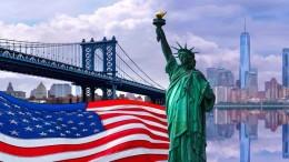 Non c'è dubbio che il ruolo dell'America sia quello di 'faro' della democrazia e della libertà. Ciò stride con l'altra America, che ha il volto dell'Amerikano neo colonialista. L'America ha tenuto a freno un possibile exploit dell'Europa che, se disponesse delle risorse e - presto - degli emergenti mercati dell'Africa, diverrebbe di certo la maggiore potenza mondiale. Specie se riuscisse ad essere veramente 'un'unica grande nazione'. Tale traguardo non sembra, però, vicino. L'Ue non rappresenta affatto verso l'esterno le singole nazioni. Inoltre è visibilmente soggiogata dall'America delle peggiori lobby ameicane e si comporta da vasallo...