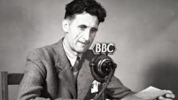 George Orwell, un  genio che intuì con molto anticipo i rischi della società moderna. Nulla poteva sapere dell'elettronica, del web e di tutto quello che seguì. Oggi 'il grande fratello' dispone di mezzi allora inimmaginabili...