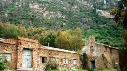 Le antiche terme inattive da alcuni decenni. Erano un 'rifugio' privilegiato per trascorrere la notte in attesa della Targa Florio.