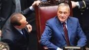 Chi sa che cosa cercava di dire Silvio Berlusconi a questo sornione Pietro Grasso, magistrato palermitano giunto alla presidenza del Senato. L'uscita allo 'scoperto' in politica attiva da parte di tanti magistrati è uno dei sintomi che possono valere a riscrivere la recente storia d'Italia.
