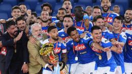 Il Napoli attorno a Gennaro Gattuso e Aurelio De Laurentis: è la vittoria!