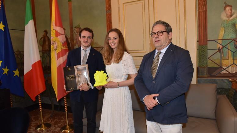 Il Principe di Borbone ela fidanzata, sposi a settembre a Palermo ricevuti a palazzo Reale da Gianfranco Micciché presidente dell'Ars e della Fodazione Federico II.