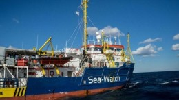 Un'immagine di una unità della Sea Watch. Queste navi sono finanziate da personaggi solitamente indicati come 'magnati filantropi'...