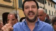 Matteo Salvini ama stare fra la gente, logico che ne affronti le conseguenze. L'ex ministro, certo deel supporto elettorale, propone maggior rigore per la violeneza stradale...  (Fonte Ph rassegenastampa.eu)