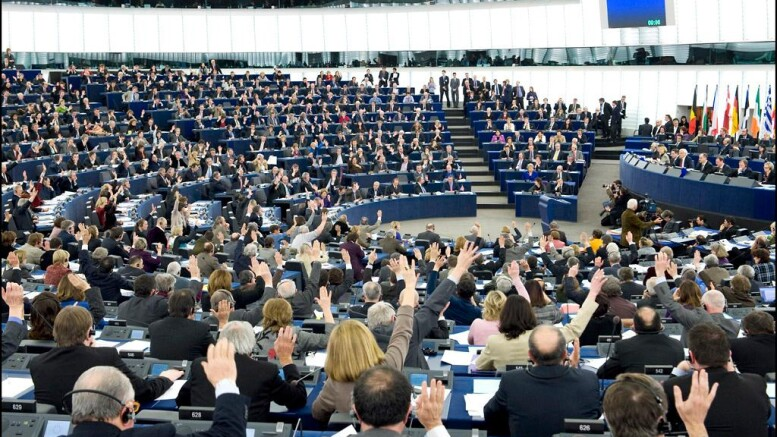 Parlamento europeo: tante teste in aula, pochi quelli che decidono.