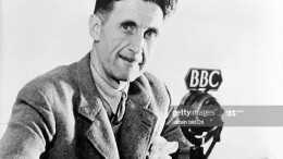 Il geniale George Orwell profeta moderno fu socialista ma non certo maxista, criticò drasticamente il comunismo sovietico nel suo fine 'Animal farm', La fattoria degli animali: fra gli animali i capi comunisti sono i maiali... (Eingeschränkte Rechte Gettyimages)