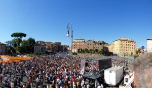 Negazionisti ' non pochi ' alla Bocca della Verità a Roma.