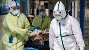 Altro che mascherine! Il personale ospedliero è ostretto a misure stressanti quanto il lavoro affrontato per 'qualità' e quantità...