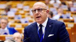 Gaetano Armao qui nel corso di un intervento a Bruxelles. Insegna materie economiche e finanziarie a livello universitario e di master e tiene corsi anche in lingua inglese.