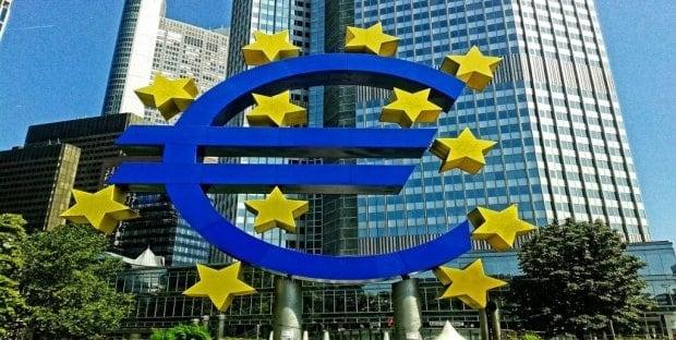 Se il No dell'UE è serio sarebbe il primo atto concreto in assoluto della politica dell'Unione. Finalmete un atto che ha un 'senso' unitario!
