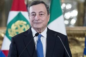 Il serafico Mario Draghi: celo aspettavamo da anni coe una mazzata. Gradito ai massimi poteri mondiali, al Bilderbegrgh, al Vaticano, alla Cina, certificato e garantito quota Goldman Sachs! Vuole il bene dell'Italia? C'è da dubitarne! Molto...