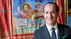 Luca Zaia, presidente Regione Veneto ha protstato col governo che da un giorno all'altro ha impedito l'arrivo di turuisti sulla neve.