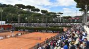 I cmpi da tennis del Foro Italico in Roma, costrtuiti prima della guerra, furono utilizzati anche per i Giochi del 1960 e sono ben funzionanti. Qui i campi da tennis