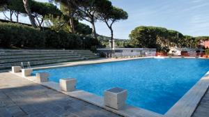 Anche la piscina, la cui disponibilità è stata riconosciuta al Coni fa parte del Foro Italiaco. Il complesso è tutt'ora di grande bellezza. Il Foro Italico è gestito adesso da Sport e Salute, filiazione del Coni.