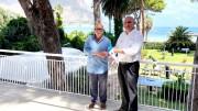 Il simbolico passaggio di consegne: a sx Giorgio Matracia, a dx Andrea Vitale